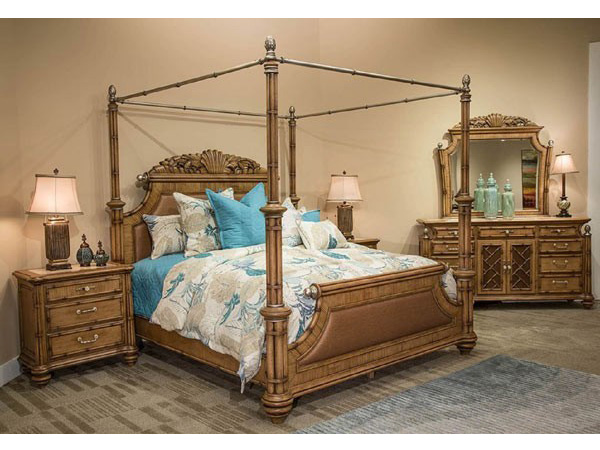 Queen Poster Bed W Canopy Kit