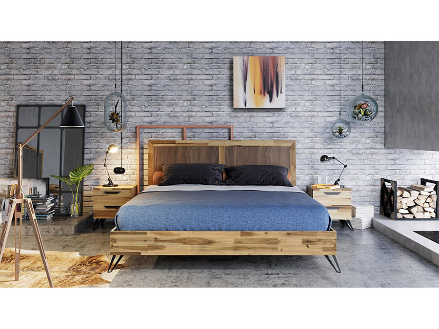 Light Wood Queen Bed