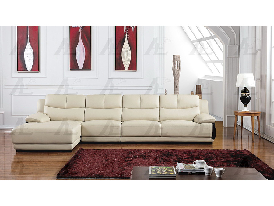 Light Grey Sectional w/ Right Sitting