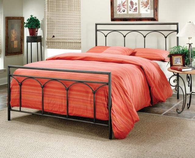 Gentil Queen Metal Bed