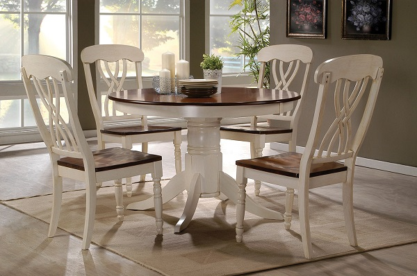 Dylan Ermilk Oak Round Dining Table Set