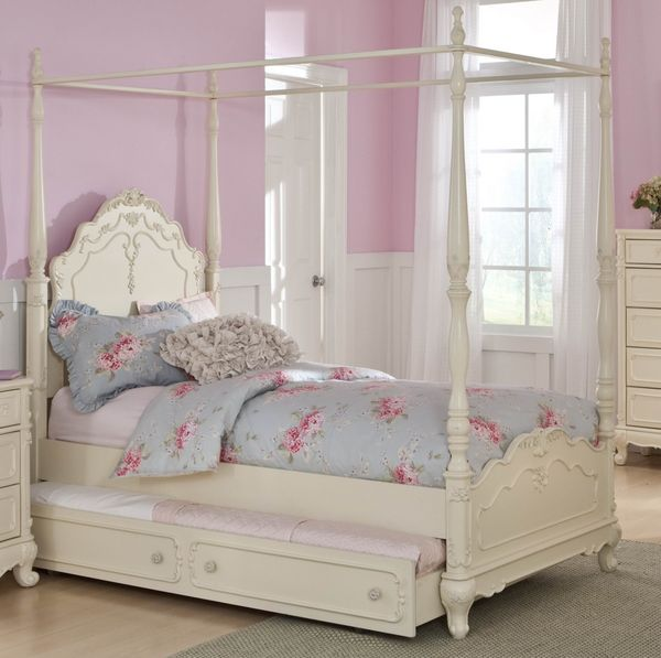 Cinderella White Twin Canopy Bed With Trundle